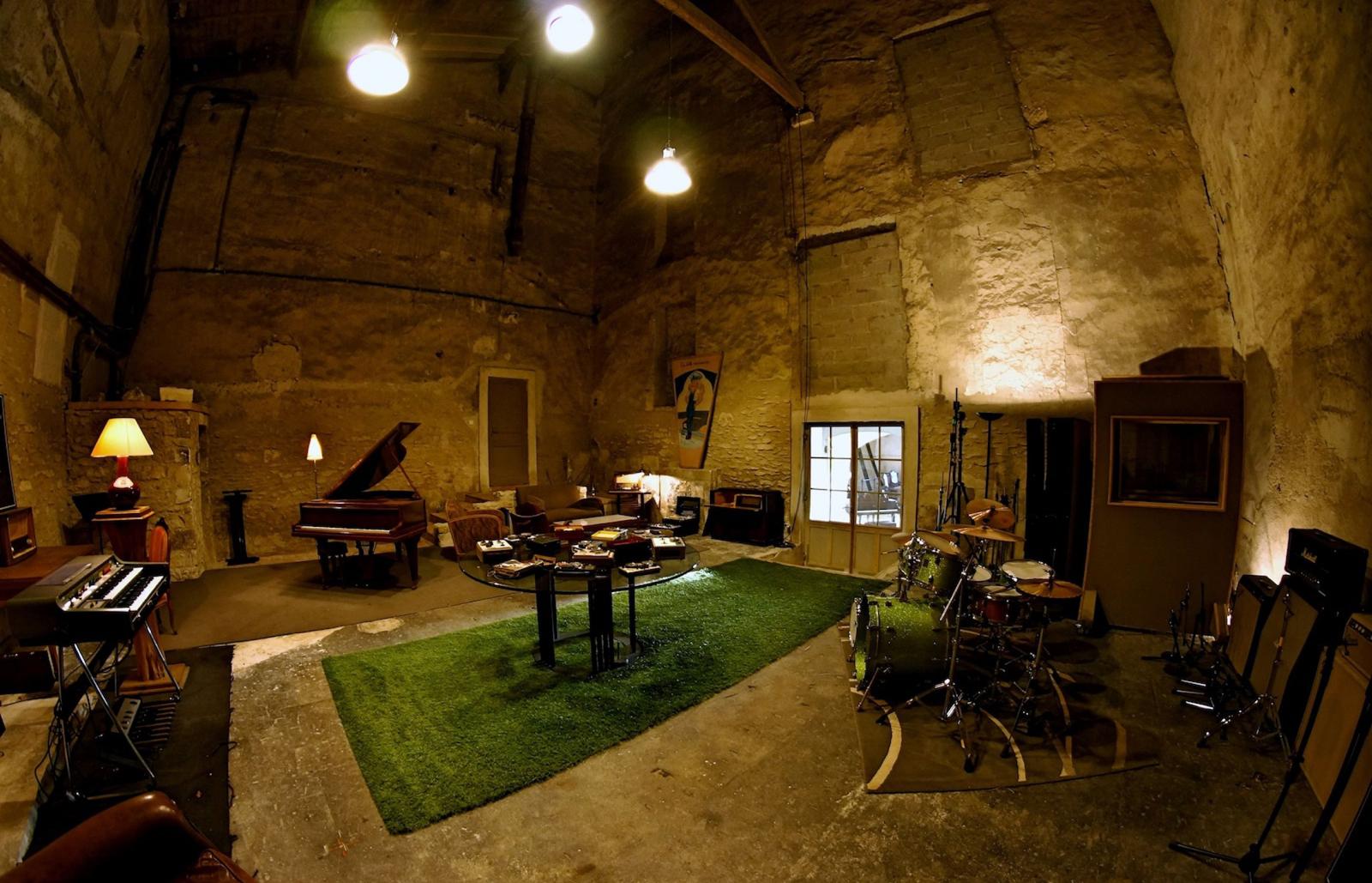 Image 2 of La Fabrique recording studio. Courtesy of the studio