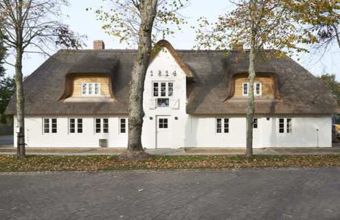 Rent an old farmer's cottage revamped by Grotheer Architektur in Germany