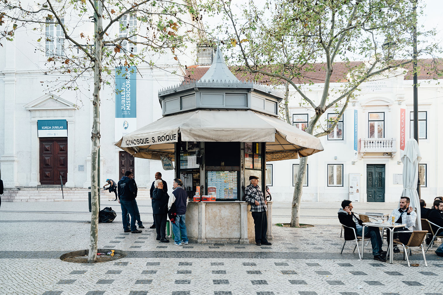 Lisbon-kiosks-richard-john-seymour-13