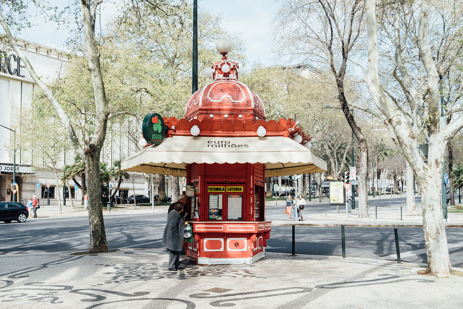 Lisbon-kiosks-richard-john-seymour-16