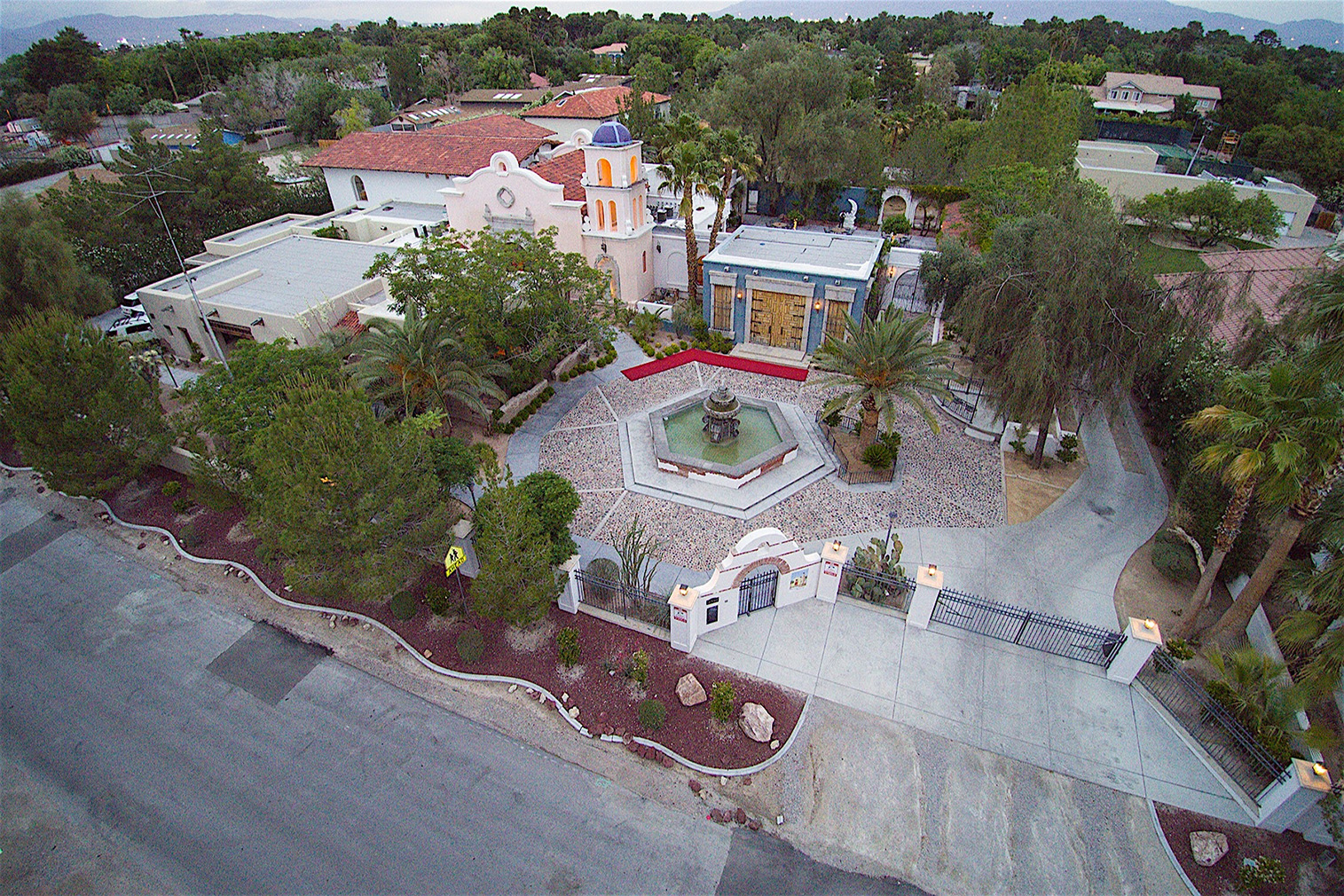 Michael Jackson S Thriller Villa In Las Vegas Hits The Market