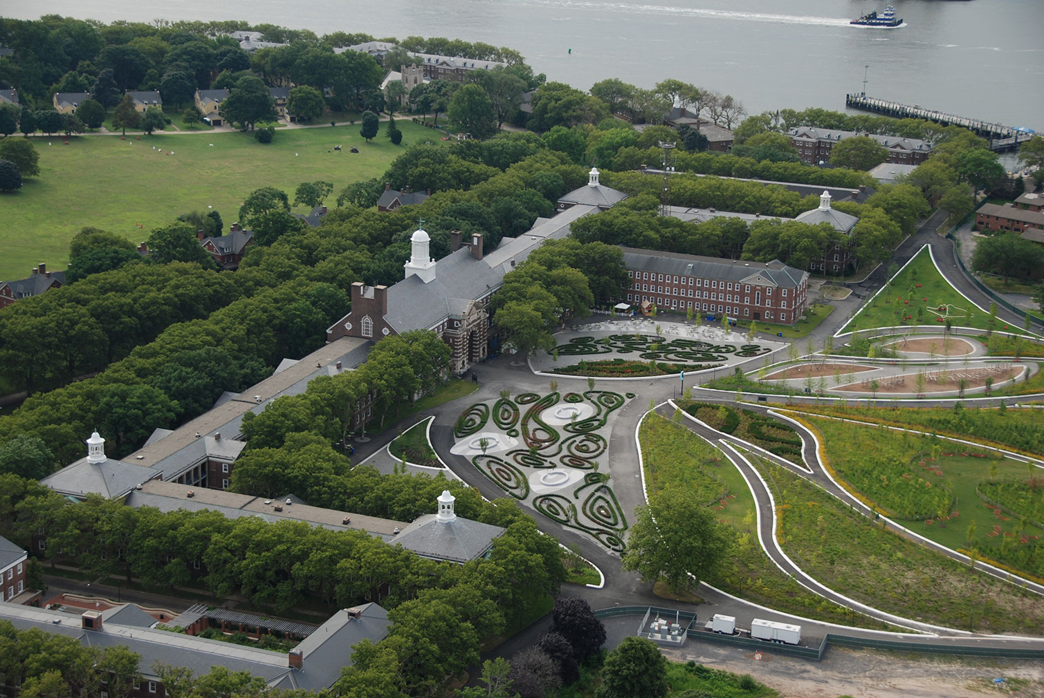 New york s governors island reopens offering new hilltop for West 8 architecture