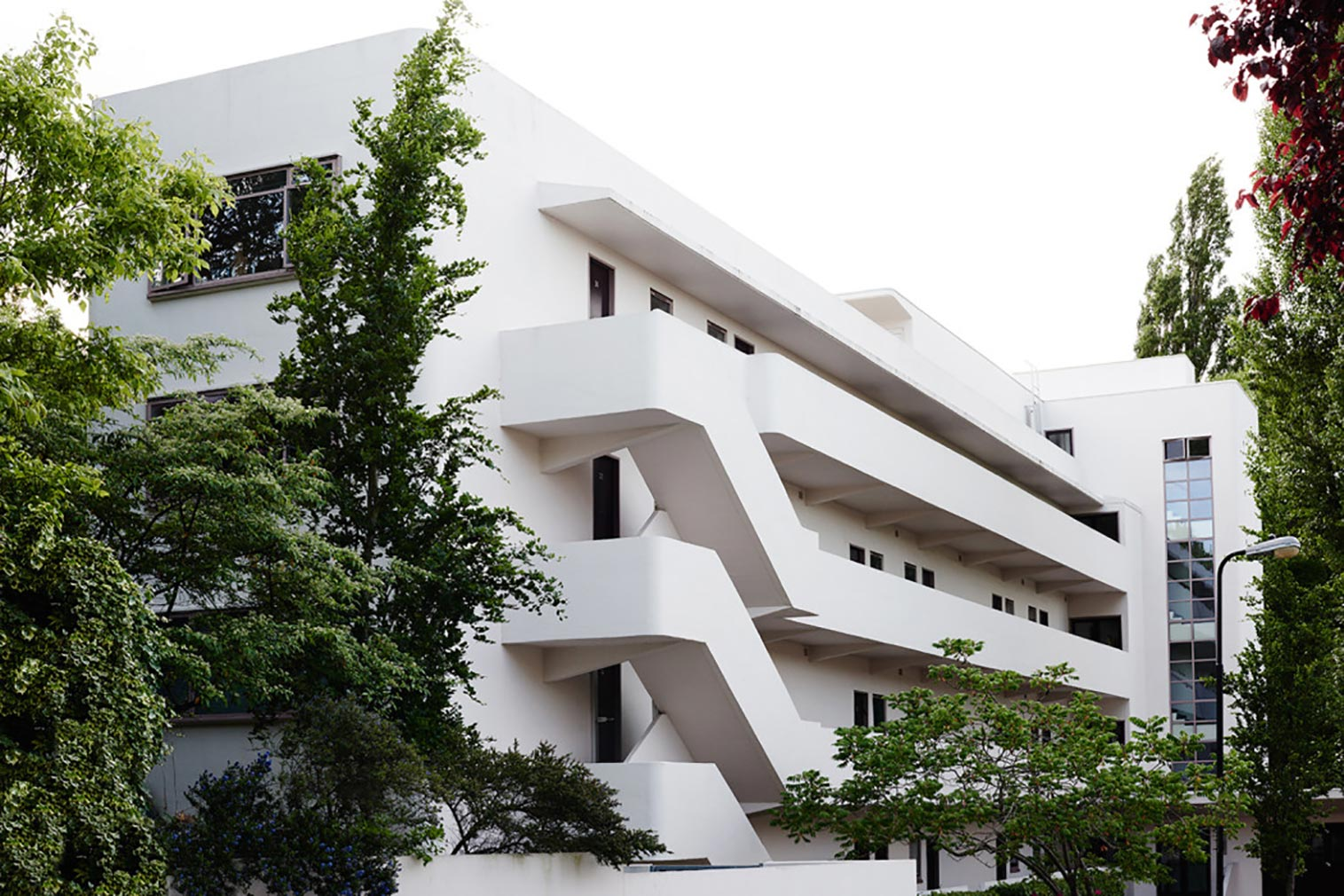 isokon-building-in-london-baker-photography-1050x700