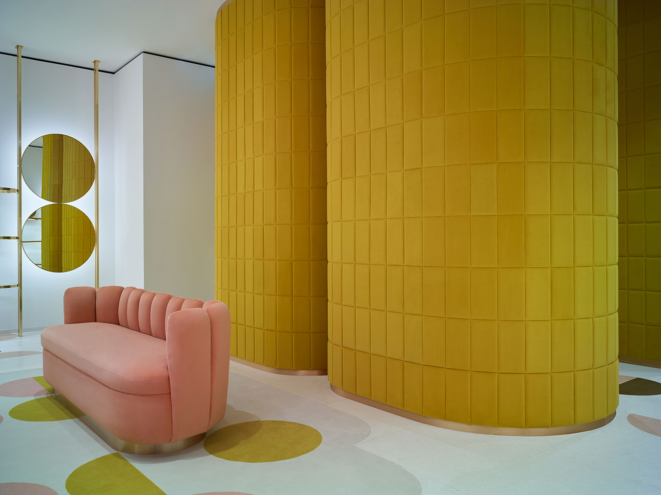 red valentino opens a dreamy pink london flagship store. Black Bedroom Furniture Sets. Home Design Ideas