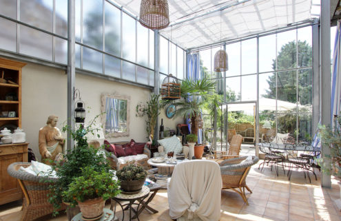 Live in a Parisian greenhouse for €990,000