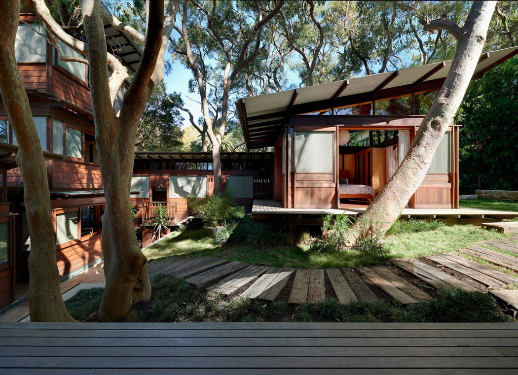 Pavilion home by richard leplastrier goes on sale in sydney for Pavillion home designs australia