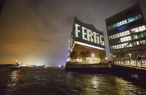 Elbphilharmonie Hamburg announces its completion… in lights