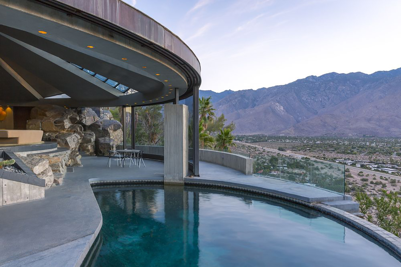 Elrod house designed by John Lautner