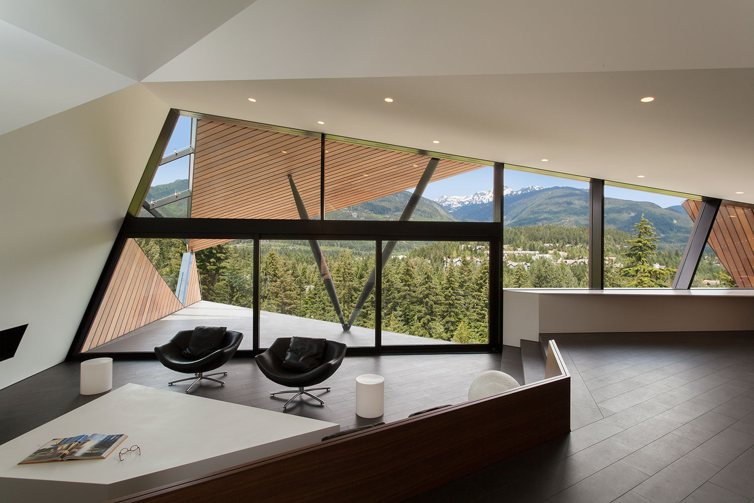 Views modern chalet architecture in canada best of interior design - Chalet Design Hadaway House By Patkau Architects