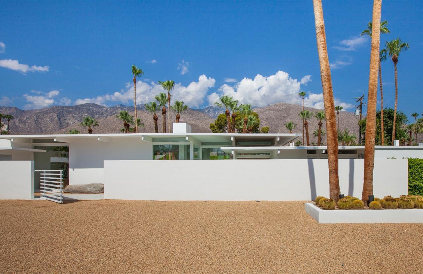 Hot property 5 homes that offer a taste of oscar glory for Property in palm springs