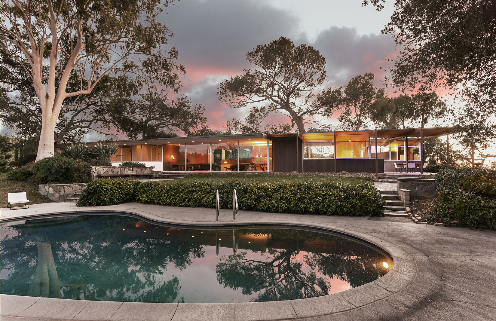 Image of: 7 Of The Best Midcentury Homes For Sale In The Us