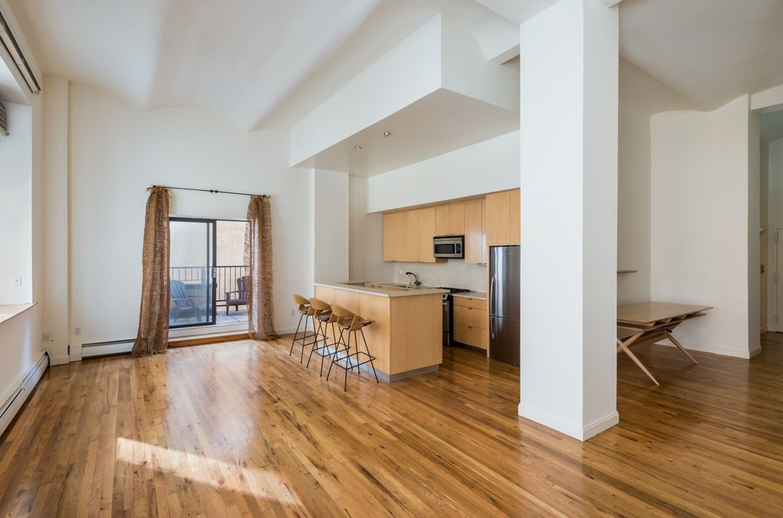 Bert Easton Ellis' apartment for rent