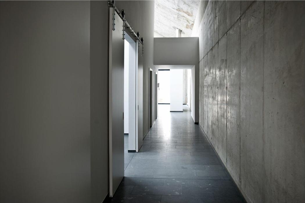 Lofts apartment hallway. Photo D Delfs