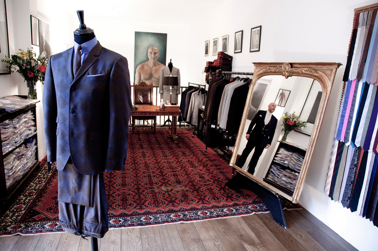 mark-powell-interior-clothes-make-the-man