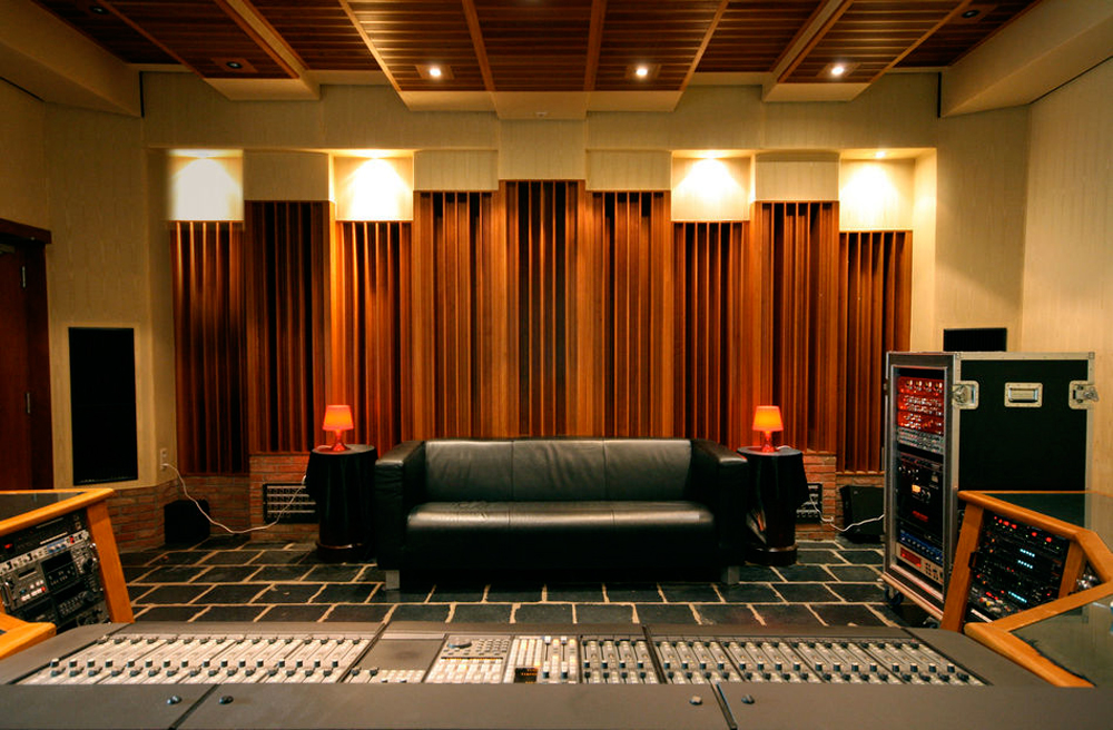 La Chapelle control Room. Courtesy of the studio