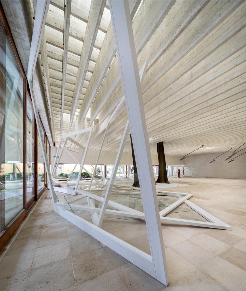 1010 height. 'Rapture' installation view. Photo: OCA / Matteo Da Fina