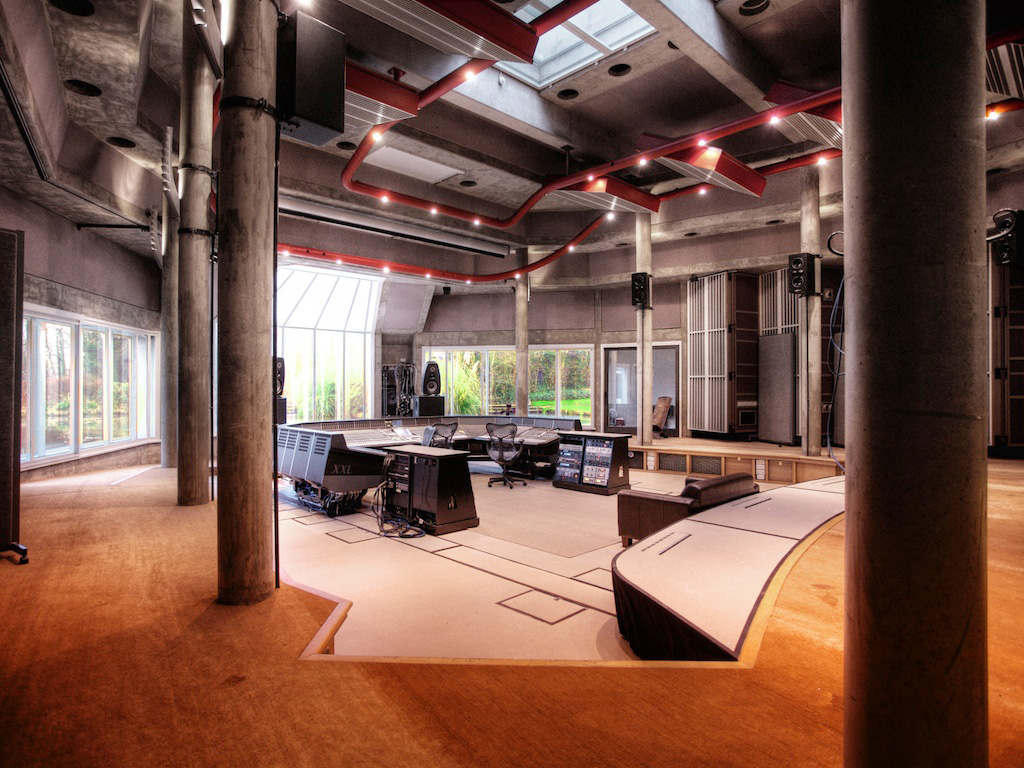 Striking a chord recording studios that sync design and for Real house music