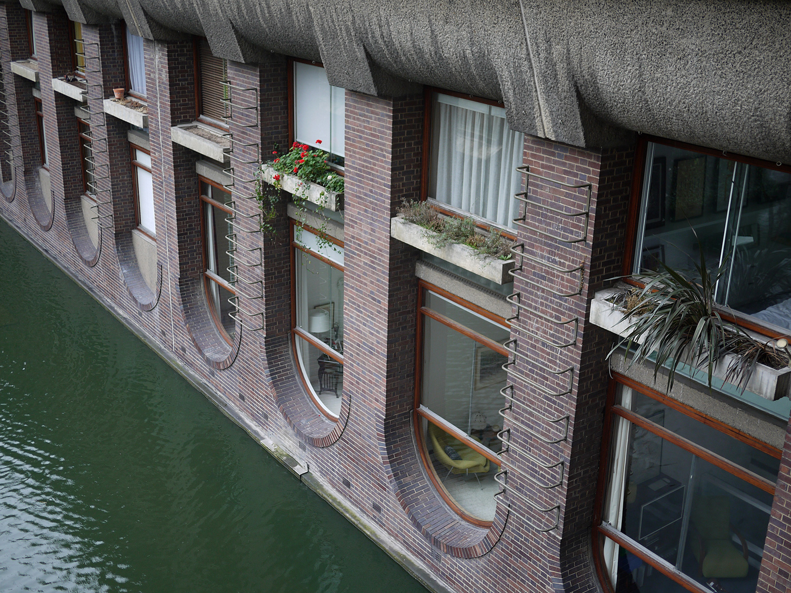 This Brutal House: Barbican Estate, flats overlooking the water