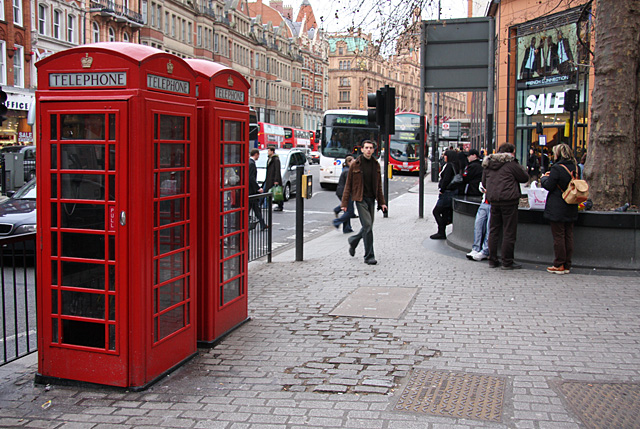 Phone_Boxes_on_Brompton_Road_-_geograph.org.uk_-_645502