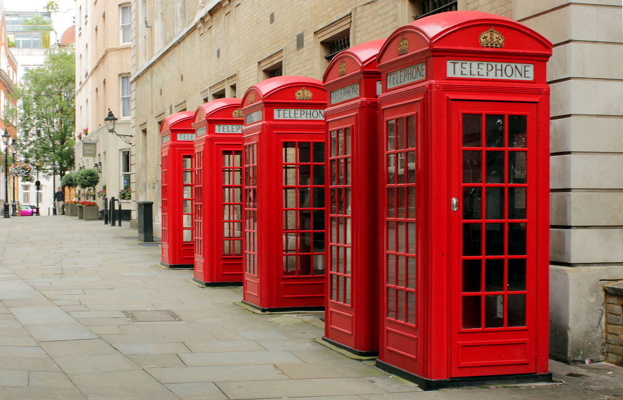 Red_Public_Phone_Boxes_-_Covent_Garden,_London,_England_-_July_10,_2012