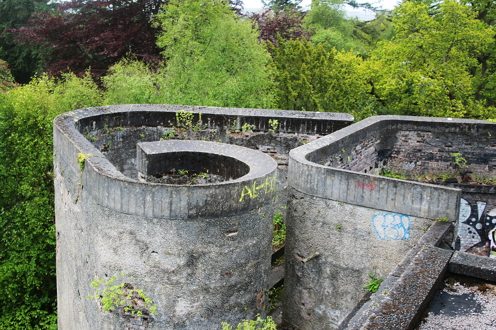 St.-Peter's-Seminary,-Cardross.-Architects-Gillespie,-Kidd-&-Coia,-1966.-Photography--Trevor-Patt.-Exterior-and-surrounds