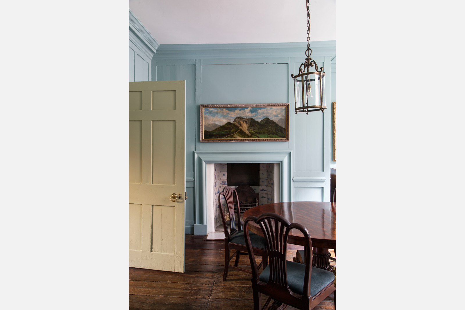Number 13 Princelet Street was bequeathed to the landmark trust after an extensive restoration. The building retains much of its original floor plan and fabric, most notably its simple panelling, partitions and other joinery. Photography: Landmark Trust