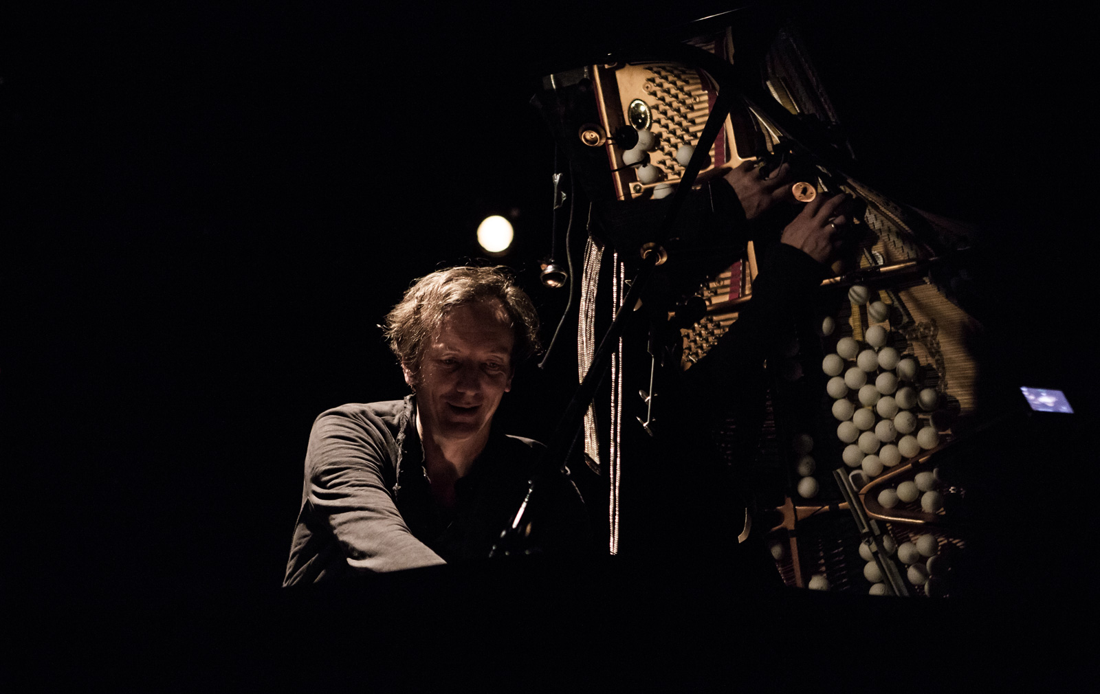 Hauschka-at-the-piano