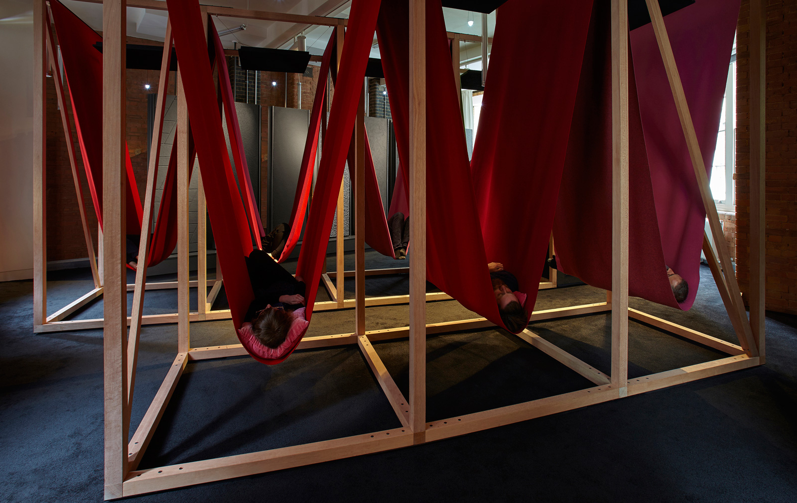 The-Sleeperie_Installation-in-use_©Carlo-Draisci