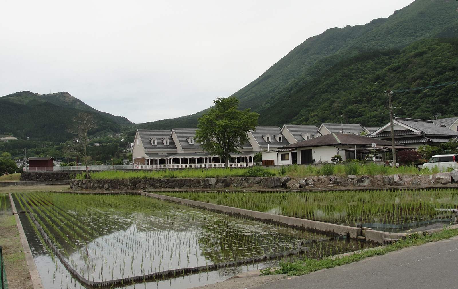 """Yufuin is famous for its natural hot springs, and for its mountain surrounds. Photography: <a href=""""https://www.flickr.com/photos/bagelmouse/"""" target=""""_blank"""">RachelH_</a>"""