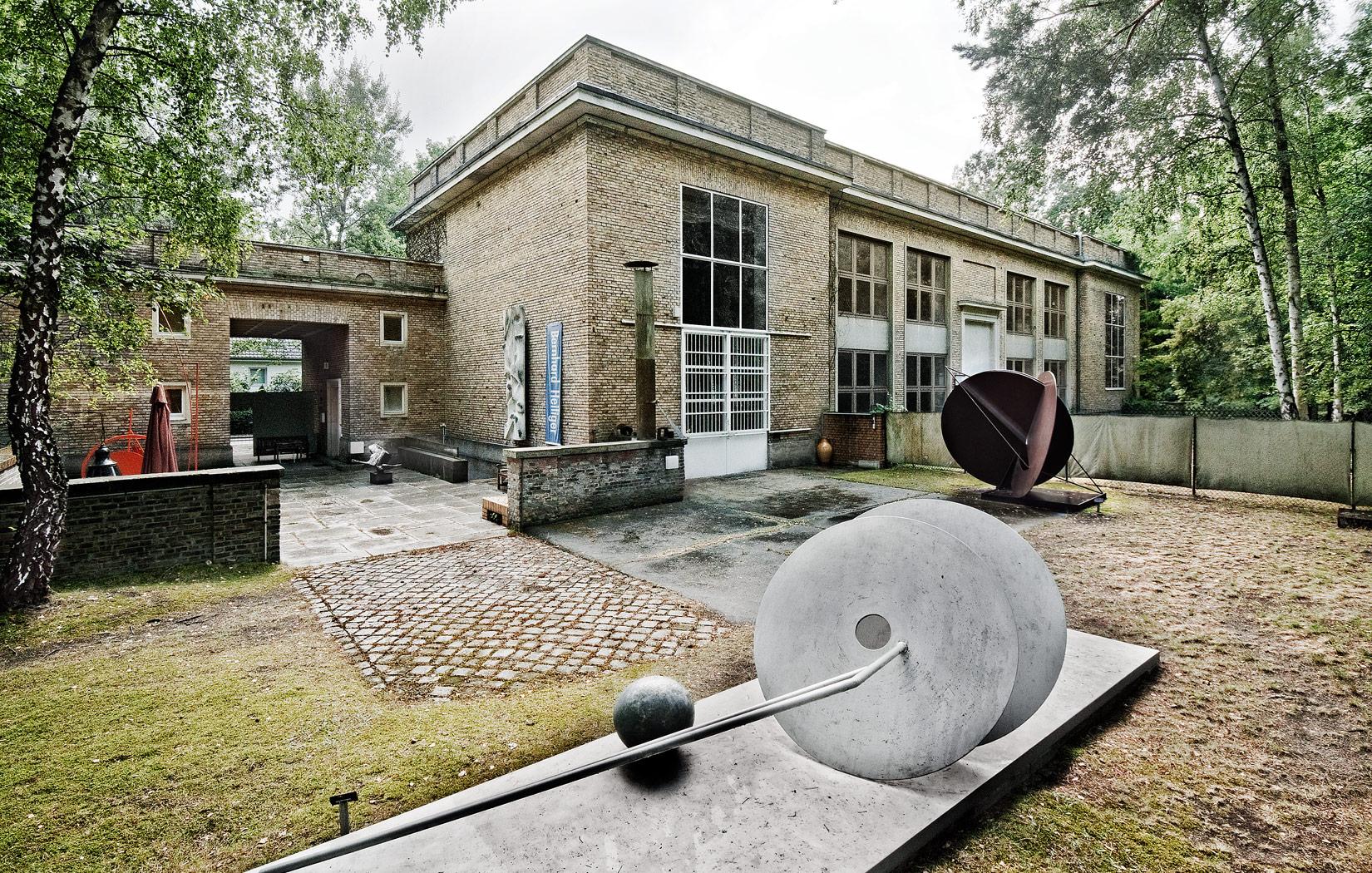 Kunsthaus-Dahlem-sculpture-garden,-Photography-Conrad-S-Klein