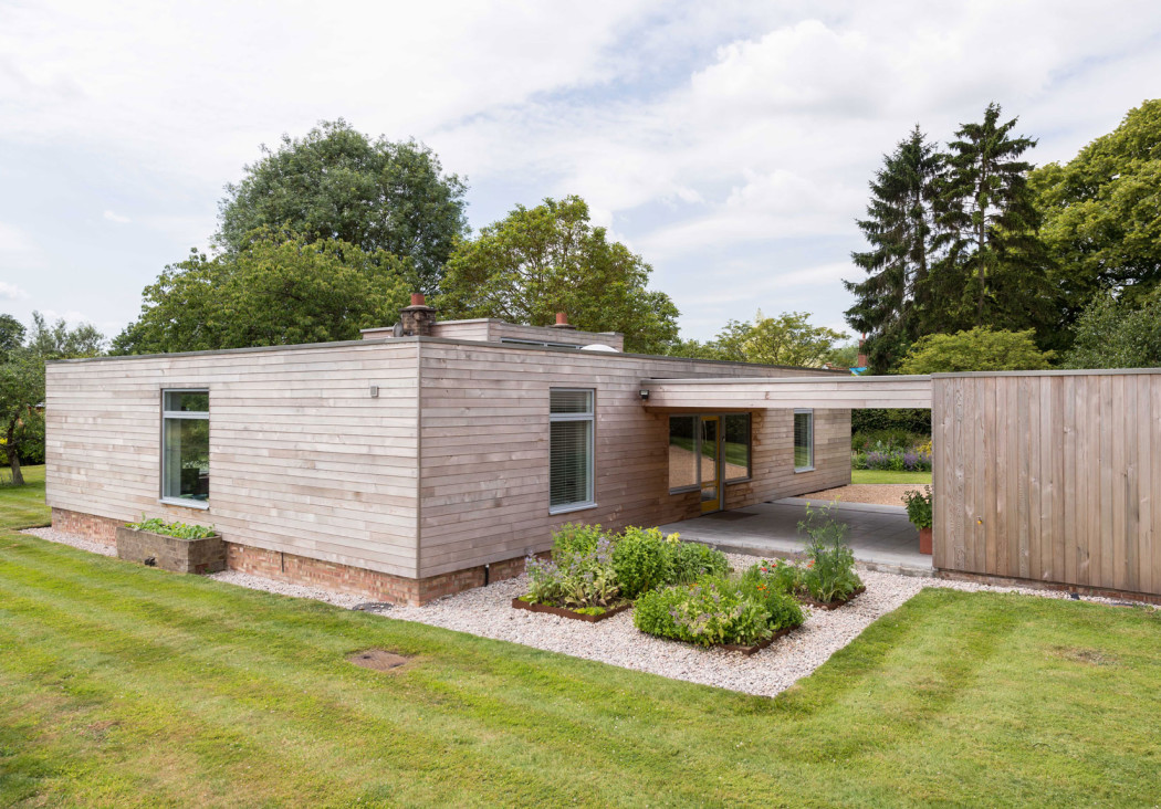 House Of The Week A Modernist Temple By John Penn In Leafy Suffolk on Small Modern House Exterior Design