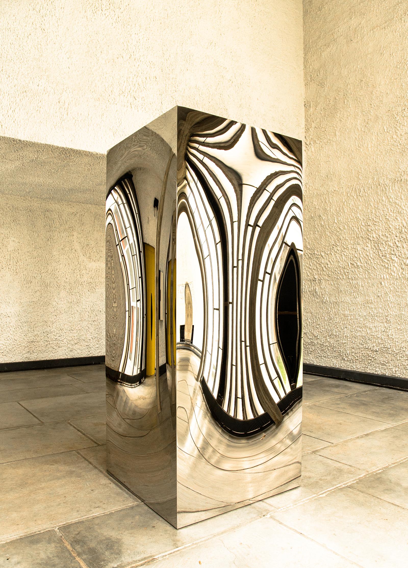 Anish Kapoor Chez Le Corbusier 1 (c) Laszlo Horvath