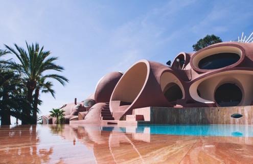 Pierre Cardin's 'Bubble Palace' near Cannes goes on sale