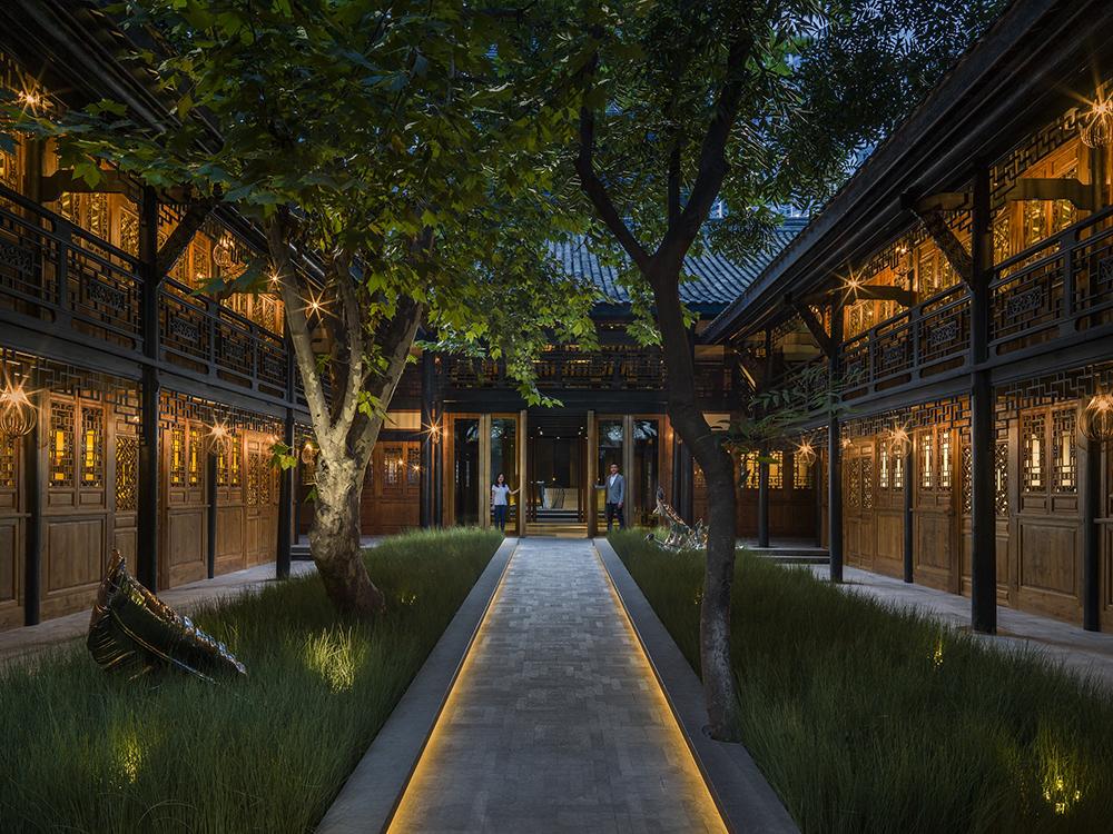 Hotels Near Temple Bar