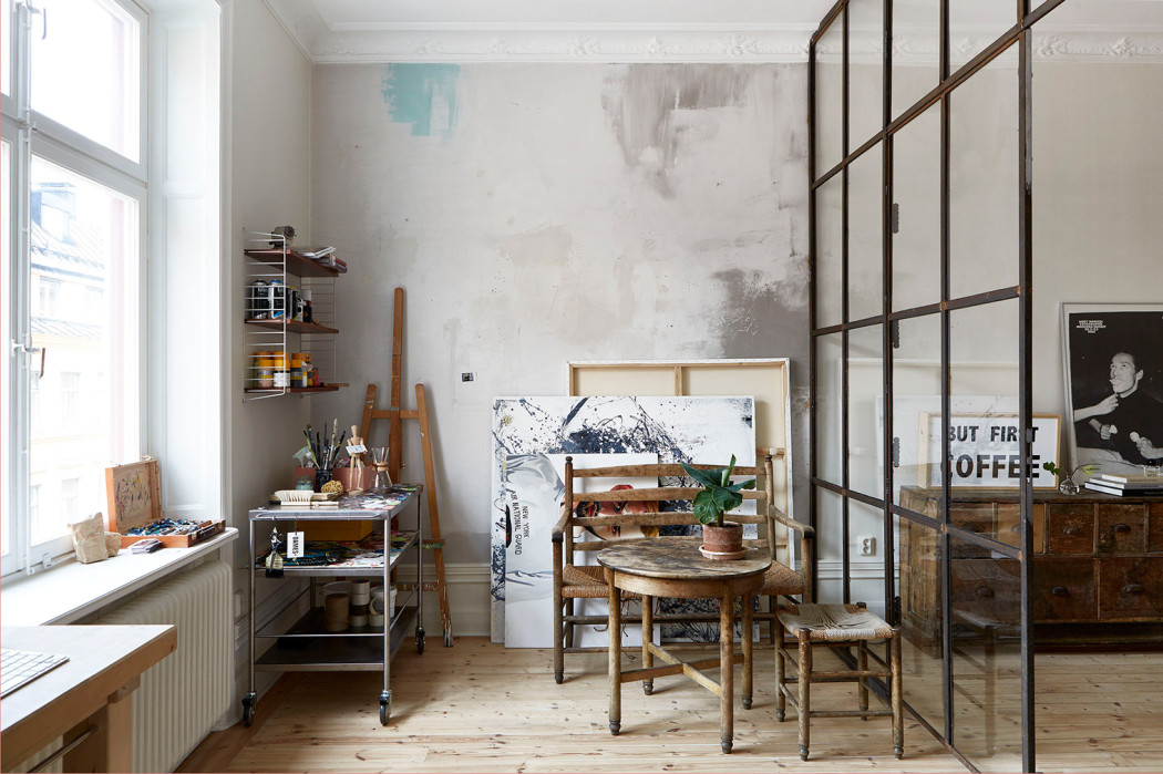 Property of the week a loft apartment in stockholm for Meubles peints provencaux