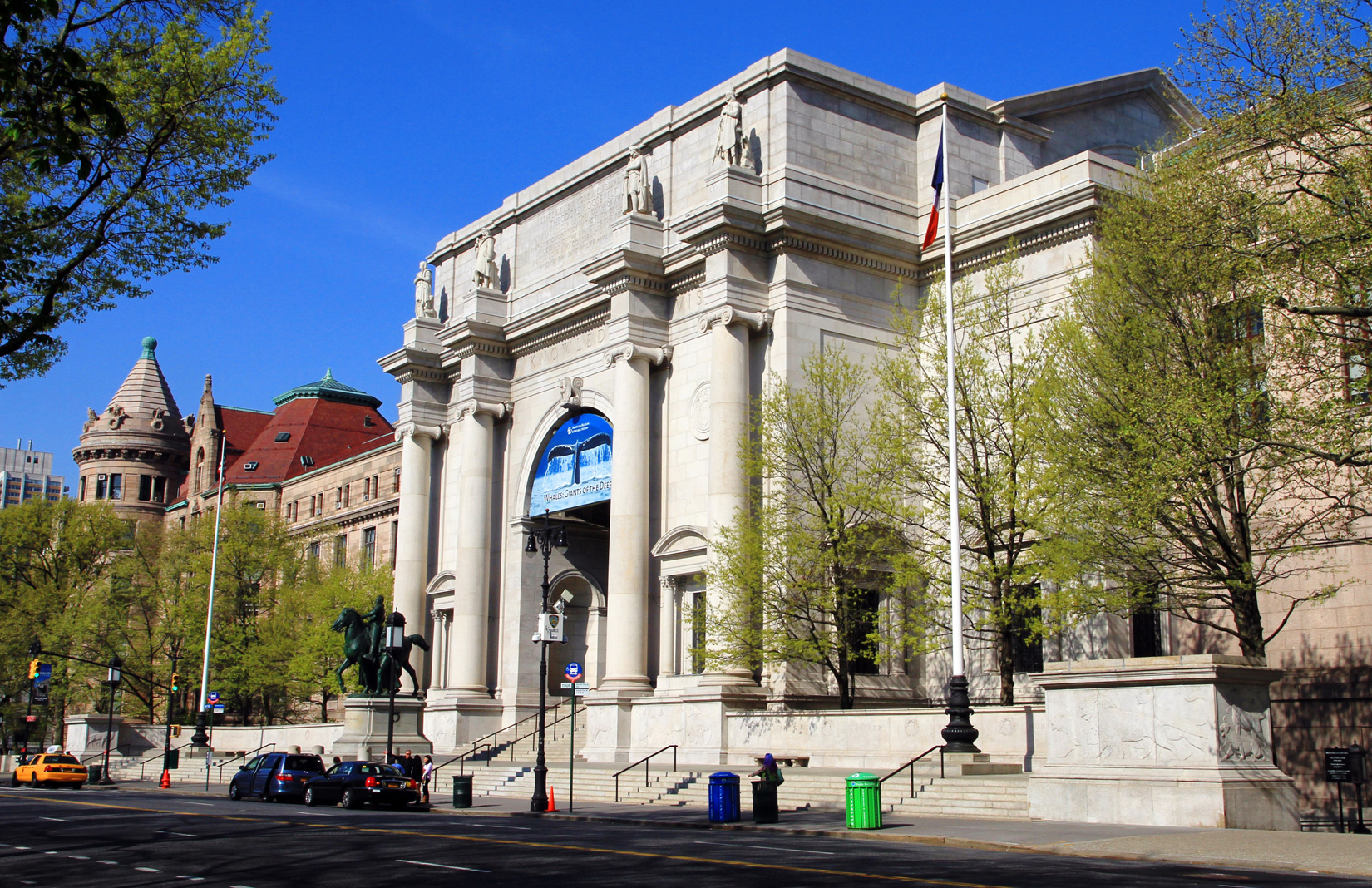The American Museum of Natural History, Central Park West entrance. Photography: Ingfbruno