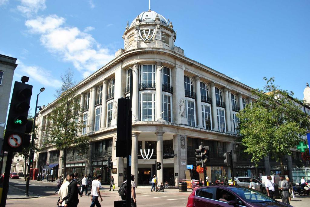 Whiteleys-redevelopment-plans-Foster+Partners-3