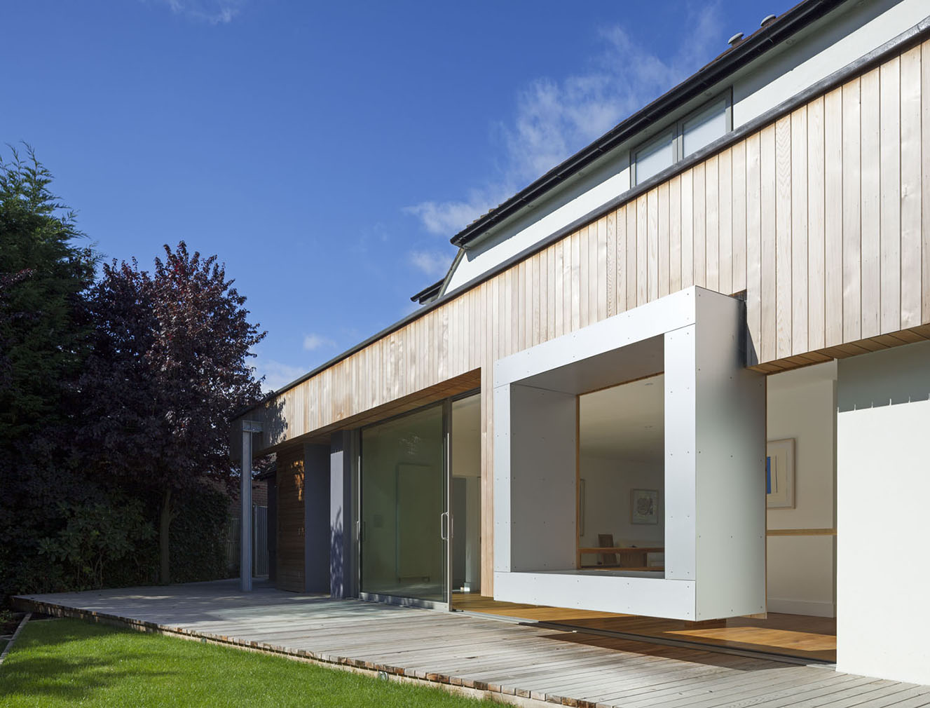 Ashton Porter Architects – Cut and Frame House, Enfield Photography: Andy Staff