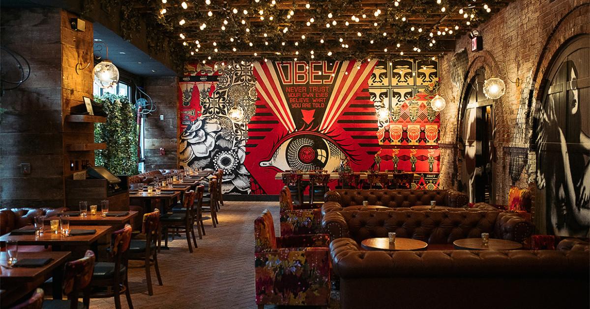 Manhattan s vandal restaurant brings street art and food for Food bar new york