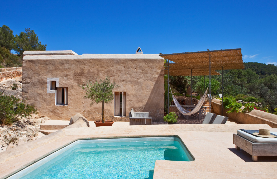 Rental of the week an ibiza retreat for design lovers for Pool design villa