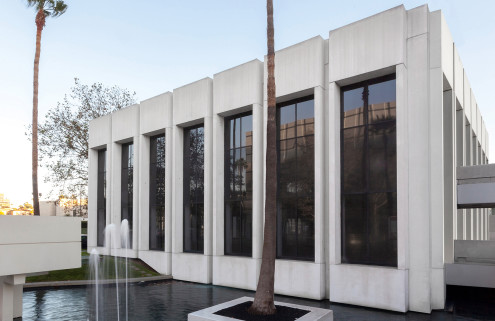 Sprüth Magers opens Los Angeles gallery in a white Modernist box