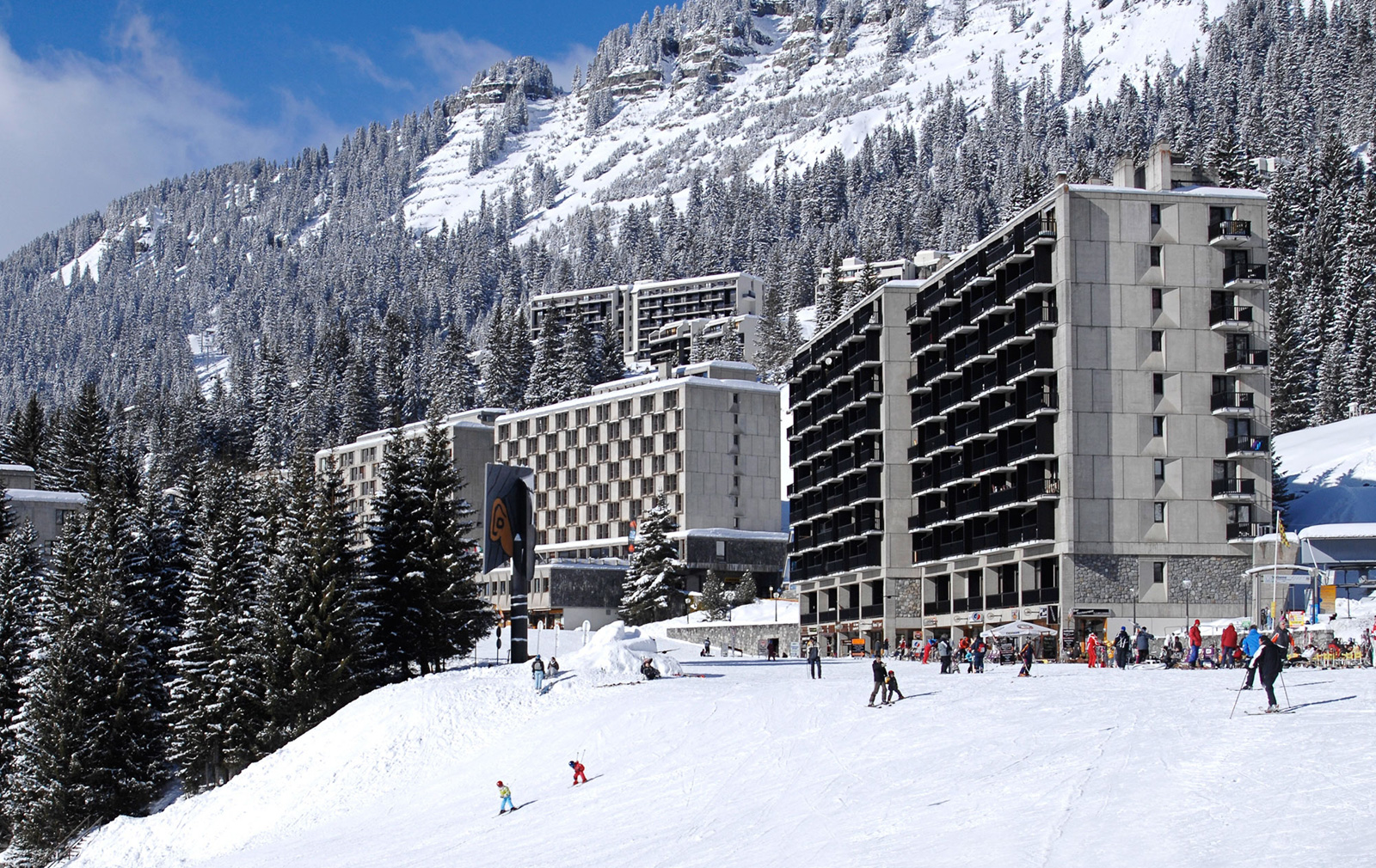 Terminal Neige exterior, ski slops
