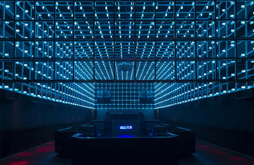 New São Paulo club The Year has a light installation that reacts to partygoers