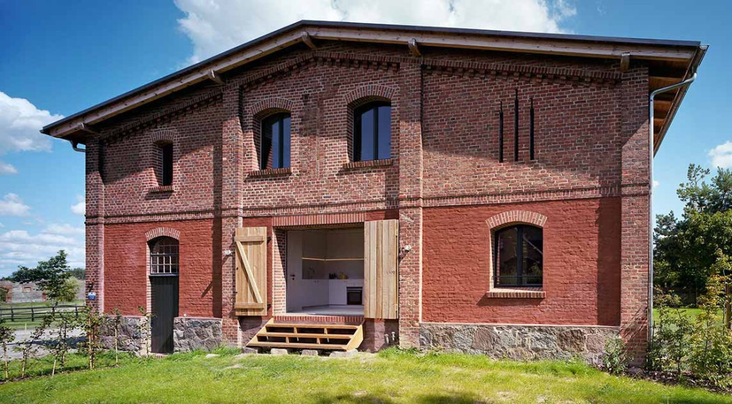 rental of the week a barn conversion in germany. Black Bedroom Furniture Sets. Home Design Ideas