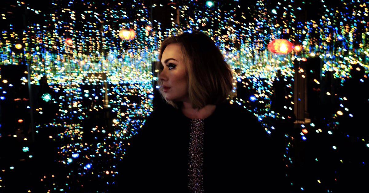 Adele Films Inside Yayoi Kusama S Infinity Mirrored Room