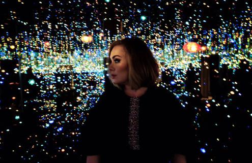 Adele films inside Yayoi Kusama's 'Infinity Mirrored Room' at The Broad