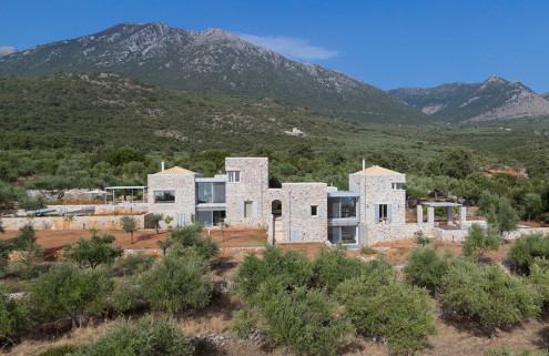Rental of the week: a Greek retreat by hhharchitects overlooking the Aegean Sea