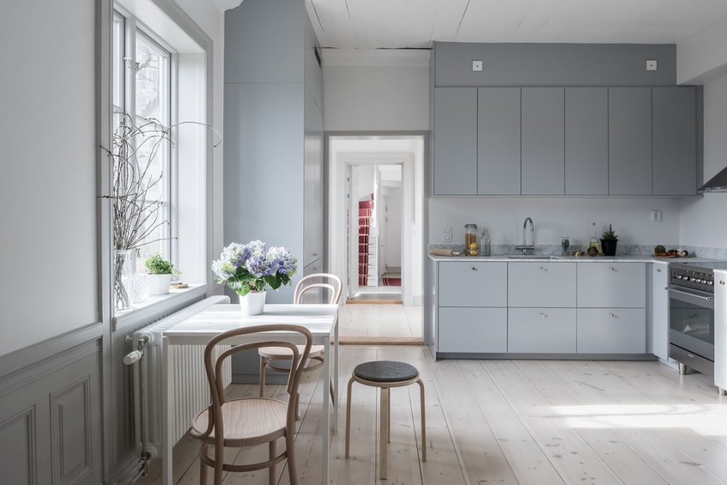 Property of the week a converted farmhouse in stockholm the spaces - Wandfarbe silbergrau ...