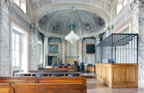 Luca Sironi captures the dichotomy of justice in Italian courtrooms