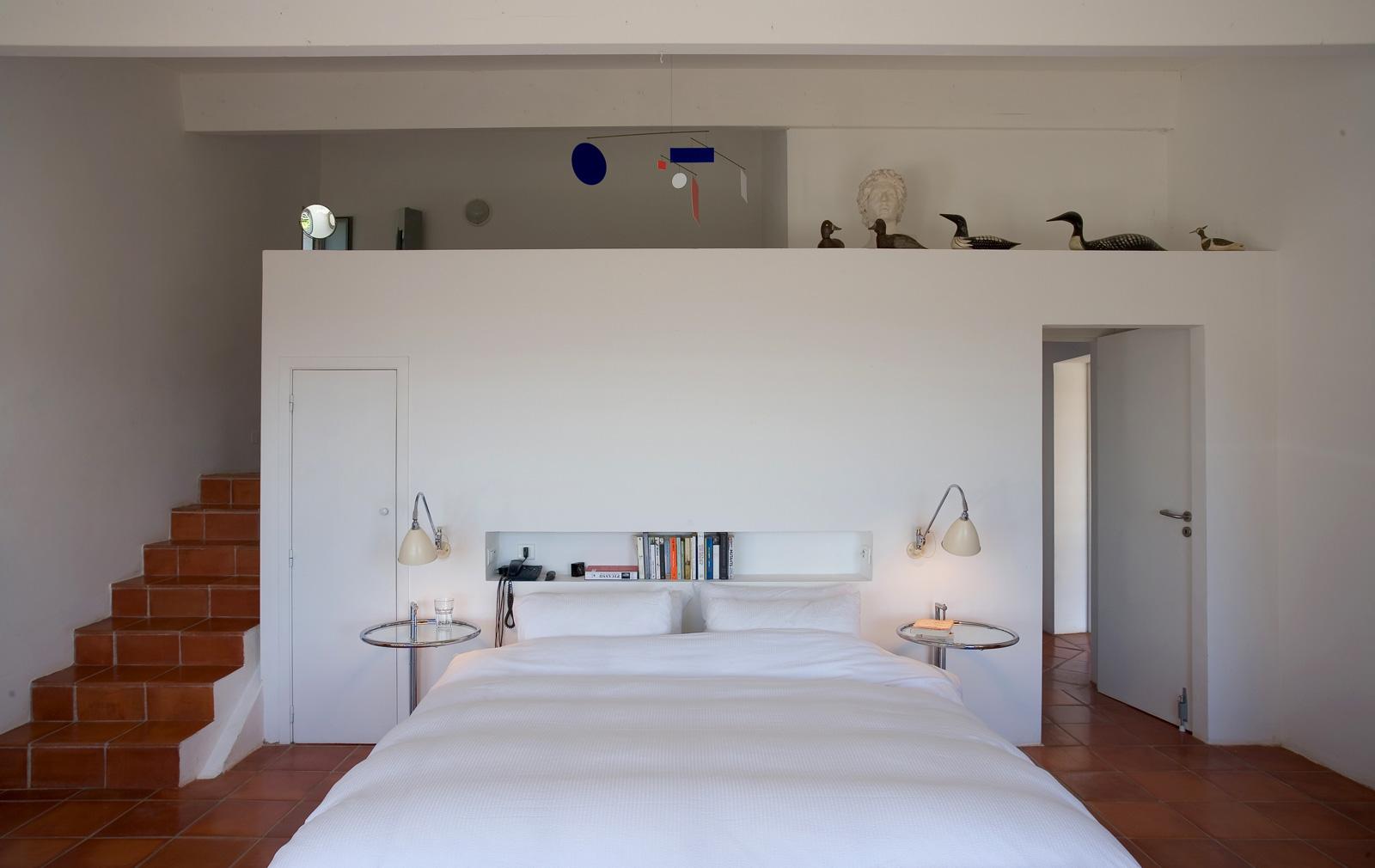 Master-bedroom-villa-jones